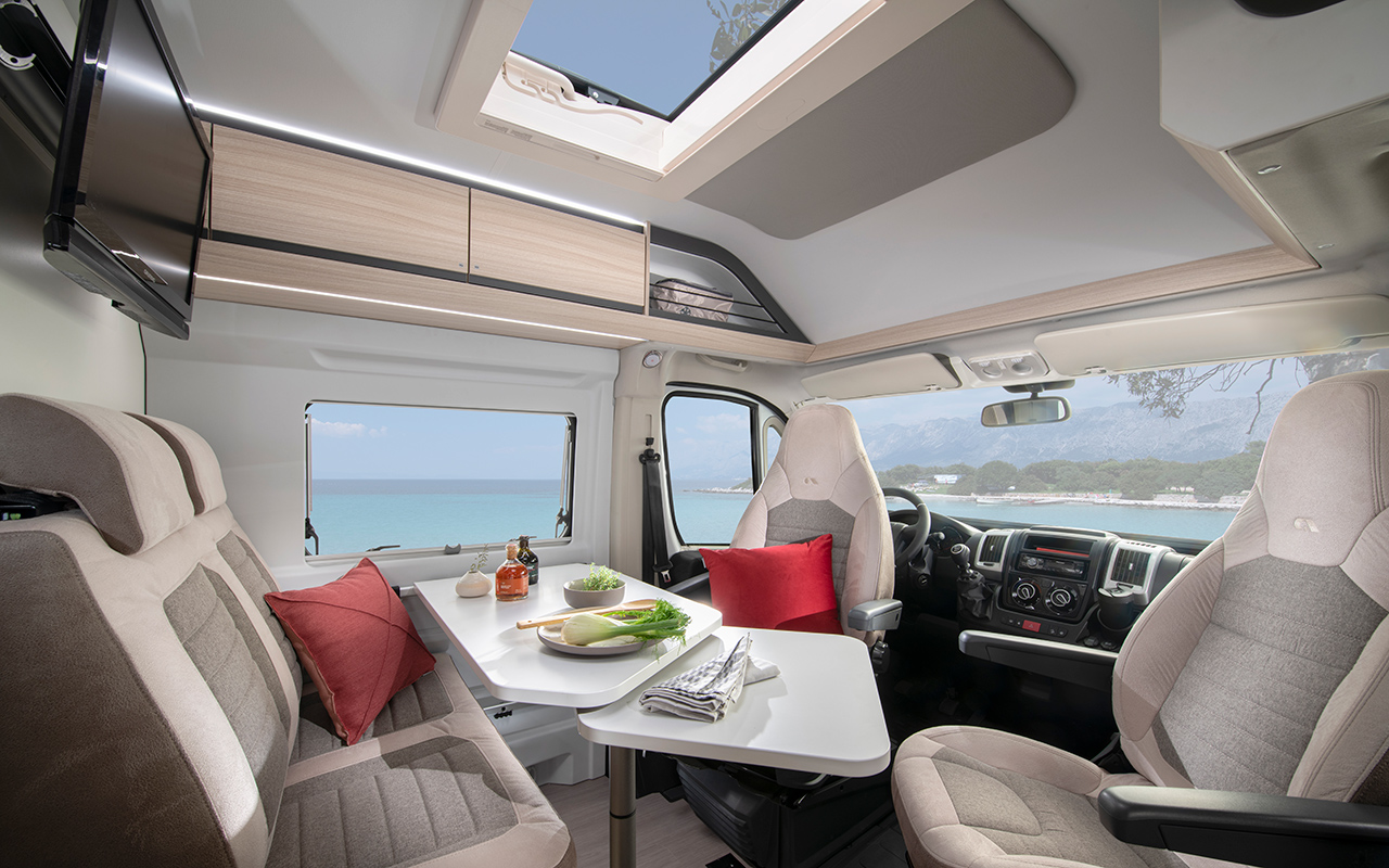 Twin Axess Dinette