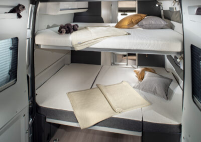 Twin Supreme 640-spb-family-rear-beds